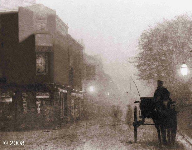 Duke Street, Settle: mist creating an atmospheric image of this central steet in the town (© 2008) (JPG, 51Kb)