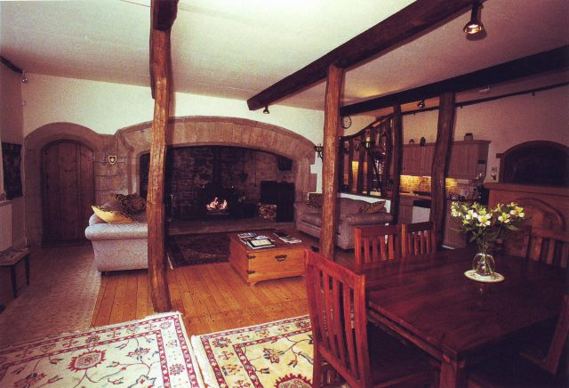 Photo: Luxury five-star self-catering accommodation in the Folly at Settle: the lounge and dining area (JPG, 61Kb)